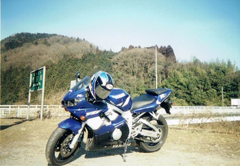 04_YZF-R6.png